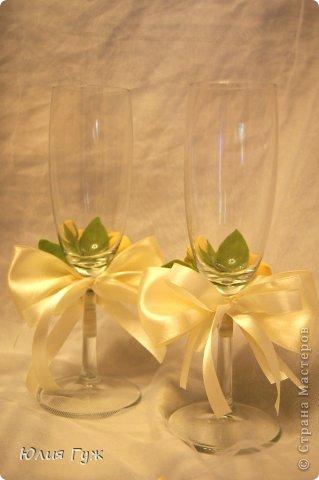 Вот такие украшения на бокалы у меня получились. выполнены из полимерной глины. фото 2