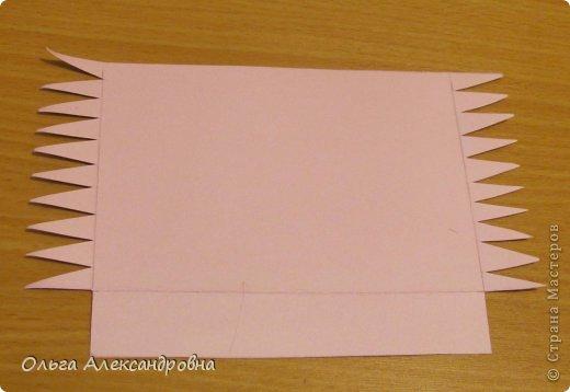 Интернете и вот наткнулась на очаровательную сумочку http://strady.org.ua/post172142788/ Я немного изменила размеры, декор упростила, чтобы мои девчонки из кружка могли справиться с такой работой и изменила ход склеивания деталей. Вот и хочу поделиться своими наработками в изготовлении такой сумочки. фото 4