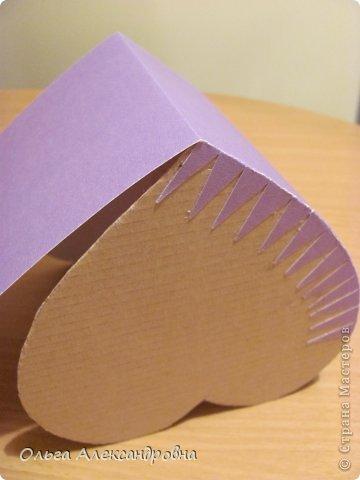 Интернете и вот наткнулась на очаровательную сумочку http://strady.org.ua/post172142788/ Я немного изменила размеры, декор упростила, чтобы мои девчонки из кружка могли справиться с такой работой и изменила ход склеивания деталей. Вот и хочу поделиться своими наработками в изготовлении такой сумочки. фото 10