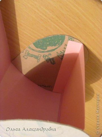 Интернете и вот наткнулась на очаровательную сумочку http://strady.org.ua/post172142788/ Я немного изменила размеры, декор упростила, чтобы мои девчонки из кружка могли справиться с такой работой и изменила ход склеивания деталей. Вот и хочу поделиться своими наработками в изготовлении такой сумочки. фото 14
