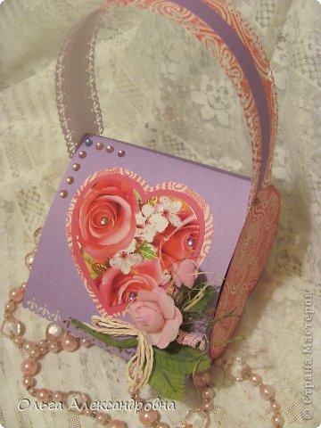 Интернете и вот наткнулась на очаровательную сумочку http://strady.org.ua/post172142788/ Я немного изменила размеры, декор упростила, чтобы мои девчонки из кружка могли справиться с такой работой и изменила ход склеивания деталей. Вот и хочу поделиться своими наработками в изготовлении такой сумочки. фото 22