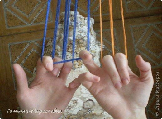 Плетение поясов дерганьем на пальцах