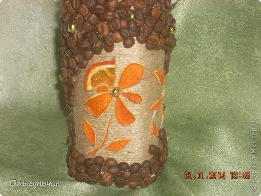 А это опять я!!! за один день сотворилась у меня такая вот бутылочка...очень понравилось мне вырезать шкурки мандарина, поэтому бутылочка у меня вышла кофейно-мандариновая)))) фото 13