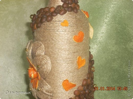 А это опять я!!! за один день сотворилась у меня такая вот бутылочка...очень понравилось мне вырезать шкурки мандарина, поэтому бутылочка у меня вышла кофейно-мандариновая)))) фото 15