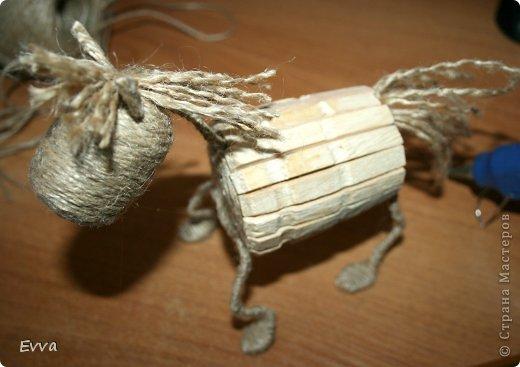Мастер-класс Поделка изделие Новый год Моделирование конструирование Год лошади наступил Клей Ленты Материал бросовый Прищепки Проволока Шпагат фото 21