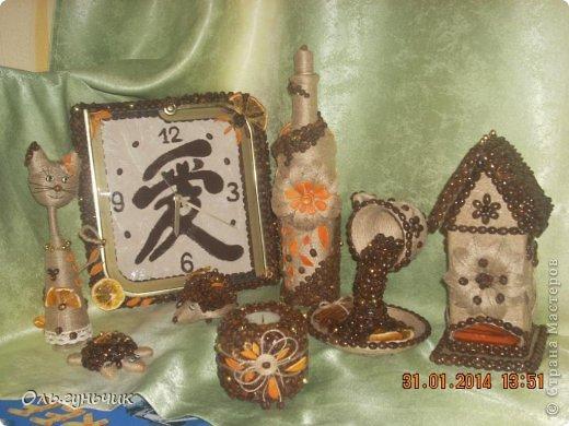А это опять я!!! за один день сотворилась у меня такая вот бутылочка...очень понравилось мне вырезать шкурки мандарина, поэтому бутылочка у меня вышла кофейно-мандариновая)))) фото 20