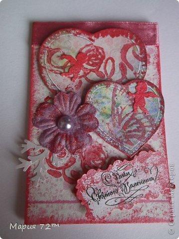 """АТС.Серия""""Валентинка"""" создана мною для обмена на карточки посвященные дню Св.Валентина. Карточки сделаны в виде открытки,все АТС объемные.Все карточки сделаны аккуратно.В работе была использована скрап-бумага (напечатанная),полубусины,цветочки (покупные), сердечки (напечатанные), атласная ленточка, ангелочки(дырокол),веточки(дырокол),надпись """"С Днем Святого Валентина"""" (напечатанная),вспененный скотч,штампы,акриловая краска. Все было напечатано на акварельной бумаге, основа открытки она же.  фото 4"""