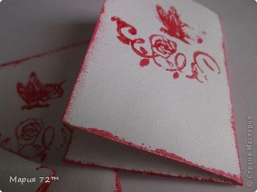 """АТС.Серия""""Валентинка"""" создана мною для обмена на карточки посвященные дню Св.Валентина. Карточки сделаны в виде открытки,все АТС объемные.Все карточки сделаны аккуратно.В работе была использована скрап-бумага (напечатанная),полубусины,цветочки (покупные), сердечки (напечатанные), атласная ленточка, ангелочки(дырокол),веточки(дырокол),надпись """"С Днем Святого Валентина"""" (напечатанная),вспененный скотч,штампы,акриловая краска. Все было напечатано на акварельной бумаге, основа открытки она же.  фото 9"""