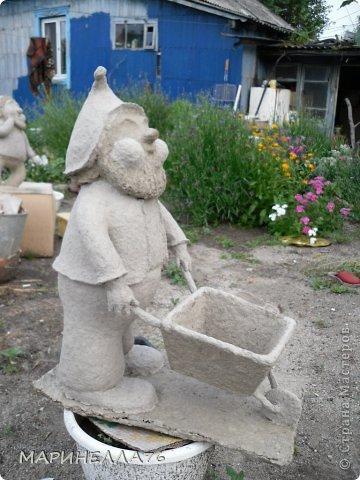 """Приветствую всех жителей """"Страны мастеров"""". Изначально хочу сказать всем спасибо за то,что многому меня научили. Я живу в частном доме, имею большой сад, и мне очень хотелось дополнить его садовыми скульптурами. Но так, как в магазинах они дорогие, я решила сделать их сама...Некоторые идеи брала с интернета. фото 4"""