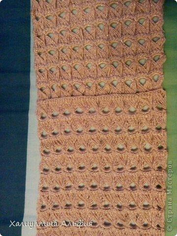 На этот шарф я вдохновилась, когда просматривала работы моей коллеги по стране мастеров Татьяны Векленко. А вот и ссылка на ее брумстиковый шарф https://stranamasterov.ru/node/431975?c=favorite фото 4