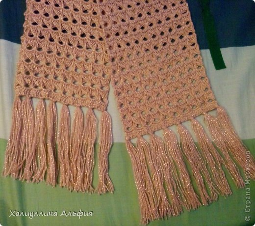 На этот шарф я вдохновилась, когда просматривала работы моей коллеги по стране мастеров Татьяны Векленко. А вот и ссылка на ее брумстиковый шарф https://stranamasterov.ru/node/431975?c=favorite фото 1