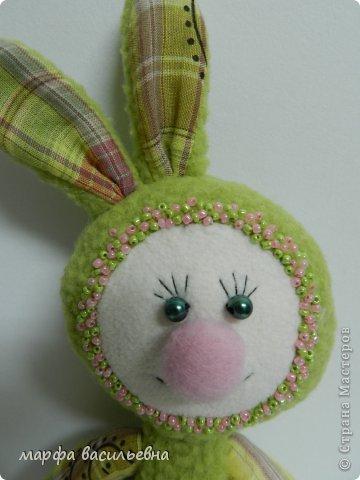 Здравствуйте.Я к вам с зайцами.Сшила одного и остановиться не могу. фото 2