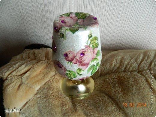 Мне очень понравилась  бутылочка-вазочка, захотелось ее как-то оформить. фото 2