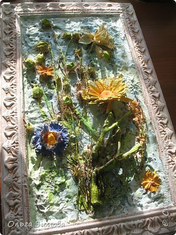 Сделала племяннице на день рождения вот такое панно.Опять, цветы-всё таки день рождения, на пороге весны.. Цветовую гамму взяла в голубых и зелёных тонах. У нас уже чувствуется приближение весны. Солнышко светит ярко, пригревает.Этим настроением навеяна моя работа. Фоток много, пыталась фотографировать при разном освещение. фото 12