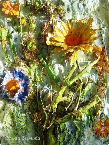 Сделала племяннице на день рождения вот такое панно.Опять, цветы-всё таки день рождения, на пороге весны.. Цветовую гамму взяла в голубых и зелёных тонах. У нас уже чувствуется приближение весны. Солнышко светит ярко, пригревает.Этим настроением навеяна моя работа. Фоток много, пыталась фотографировать при разном освещение. фото 10
