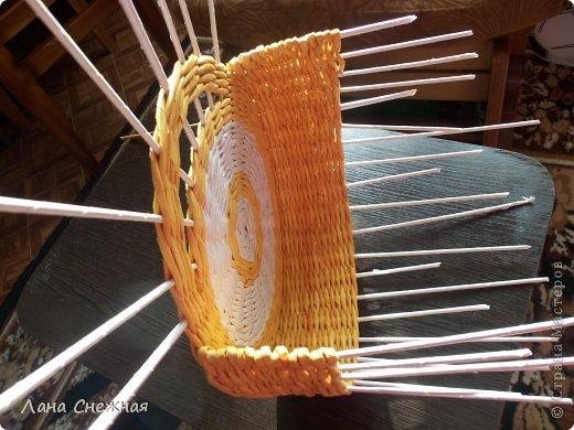 Мастер-класс Поделка изделие Плетение Сумочка для девчушки Бумага газетная Трубочки бумажные фото 5