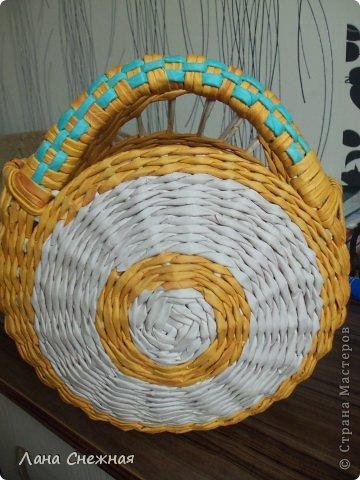 Мастер-класс Поделка изделие Плетение Сумочка для девчушки Бумага газетная Трубочки бумажные фото 8