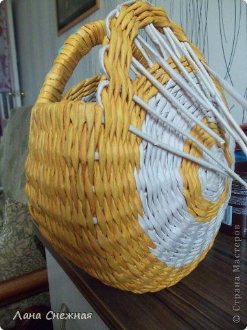 Мастер-класс Поделка изделие Плетение Сумочка для девчушки Бумага газетная Трубочки бумажные фото 9