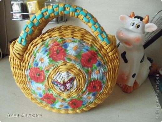 Мастер-класс Поделка изделие Плетение Сумочка для девчушки Бумага газетная Трубочки бумажные фото 14