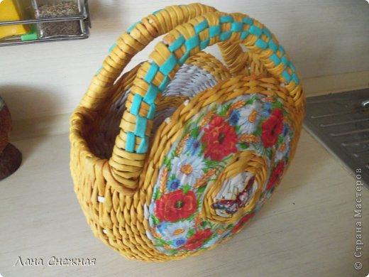 Мастер-класс Поделка изделие Плетение Сумочка для девчушки Бумага газетная Трубочки бумажные фото 16