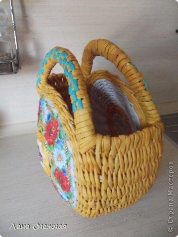 Мастер-класс Поделка изделие Плетение Сумочка для девчушки Бумага газетная Трубочки бумажные фото 13