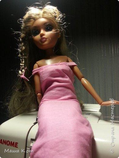 Всем привет с вами канал Doll Life. На прошлой встречи я рассказывала про платья, а сейчас я хочу расказать про те вещи которы я сшила сейчас. И так начнём. фото 2