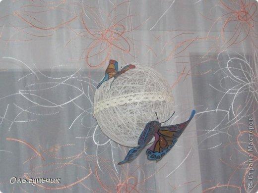 Здравствуйте дорогие мастерицы!!! Не давали мне покоя шторы на кухне, казались пустыми что ли...и вот накрутила я шариков и развесила по верху...но опять же не знаю оставлять ли...что то мне не нравится((( может вы подскажите? фото 7