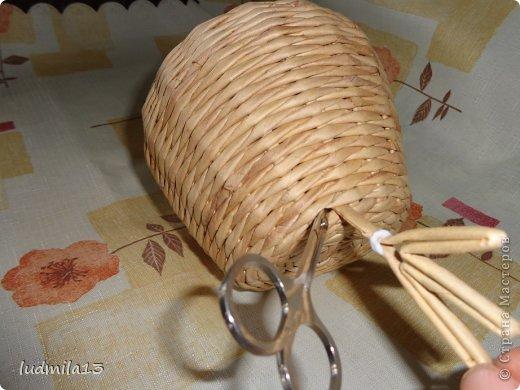 Мастер-класс Поделка изделие Пасха Плетение МК курочки Бумага газетная Трубочки бумажные фото 17