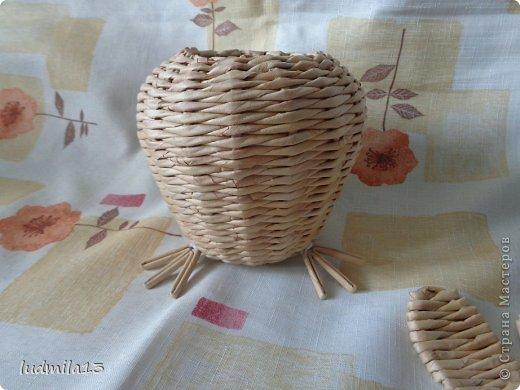 Мастер-класс Поделка изделие Пасха Плетение МК курочки Бумага газетная Трубочки бумажные фото 18