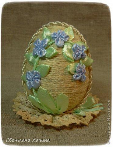 И снова я с яйцами. Это переделка , я под впечатлением от шпагата решила переделать яйцо которое было оклеено синим велюром. Не жалею. Оставила его шкатулкой. Мои предыдущие опыты с Пасхальными яйцами можно посмотреть здесь : https://stranamasterov.ru/node/722843 https://stranamasterov.ru/node/715558 https://stranamasterov.ru/node/712255 фото 8