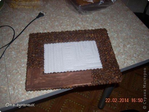 И снова здравствуйте! Вот такую фоторамочку я сделала для своей кофейной полочки. Все мои кофейности можно посмотреть у меня в блоге...А сейчас только рамочка...но работать с кофе и шпагатом мне очень понравилось, наверное будут еще работы... фото 20