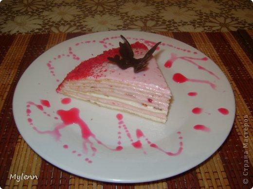 Доброго времени суток всем заглянувшим:) Еще одна вариация на тему Масленицы-Блинный торт со сметанно-малиновым суфле. фото 13