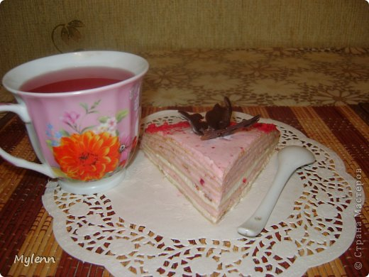 Доброго времени суток всем заглянувшим:) Еще одна вариация на тему Масленицы-Блинный торт со сметанно-малиновым суфле. фото 14