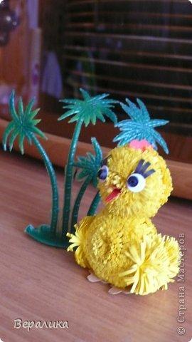 Поделка изделие Квиллинг Цыпленок под пальмой Бумажные полосы фото 2
