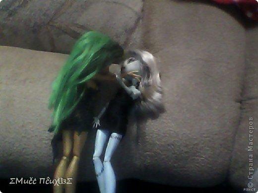 Сидела Ника и Френки в музыкальной студии. Ника играла на мини-пианино ,а Френки бездельничала и проверила маникюр (Простите, за качество пожалуйста камера сломана снимаю на нетбук) фото 11