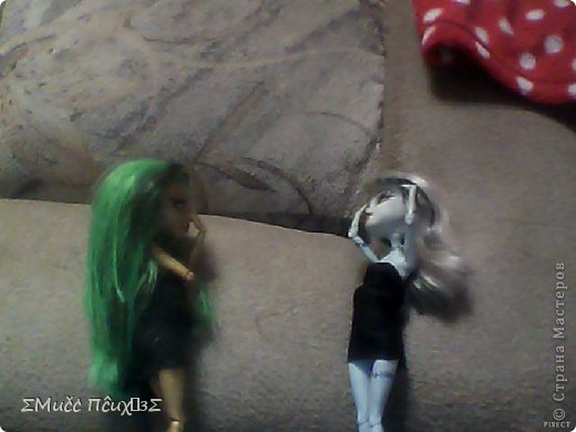 Сидела Ника и Френки в музыкальной студии. Ника играла на мини-пианино ,а Френки бездельничала и проверила маникюр (Простите, за качество пожалуйста камера сломана снимаю на нетбук) фото 12