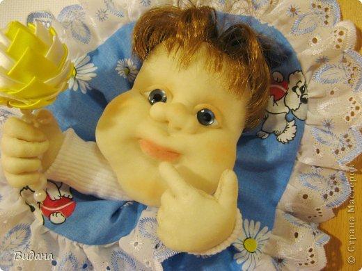 Это метрика для новорожденного малыша. На сайте похожих работ не нашла (а может плохо искала?), хочу показать, как я ее делала. фото 13