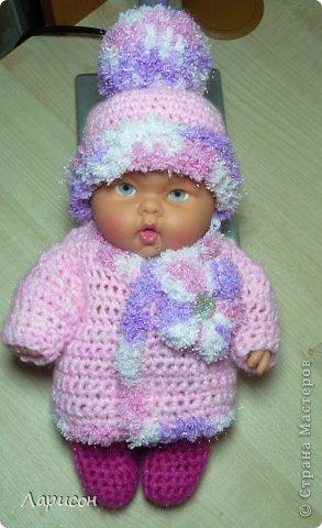 Для крестницы Ксении связала мышонка и купленному пупсику одёжку потеплее, ведь дело было в середине января... фото 5