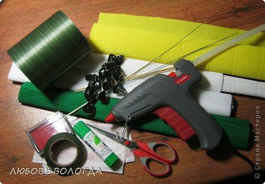 Мастер-класс Свит-дизайн 8 марта Моделирование конструирование Нарциссы Бумага гофрированная Продукты пищевые фото 2