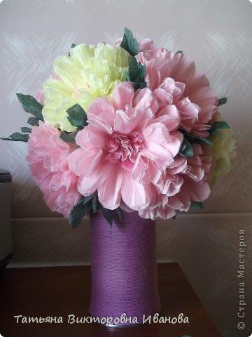 Всем доброго дня суток! Сегодня я вам покажу как делаются такие цветочки. Может кто- то до меня уже такие цветы показывал, но я такие не встречала нигде. фото 1