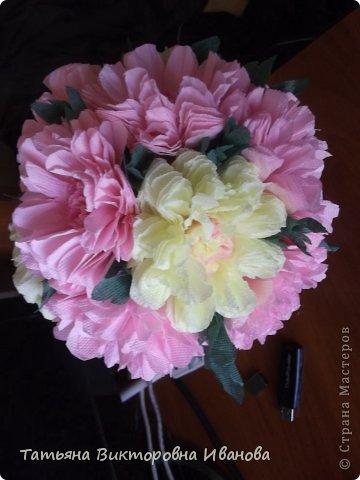 Всем доброго дня суток! Сегодня я вам покажу как делаются такие цветочки. Может кто- то до меня уже такие цветы показывал, но я такие не встречала нигде. фото 2