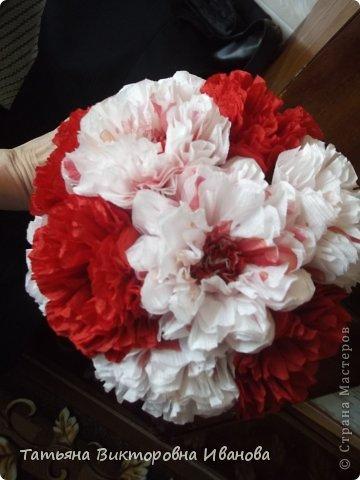 Всем доброго дня суток! Сегодня я вам покажу как делаются такие цветочки. Может кто- то до меня уже такие цветы показывал, но я такие не встречала нигде. фото 17