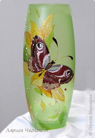 getimage_25 Вазы из стеклянных бутылок: декор, роспись и обрезка