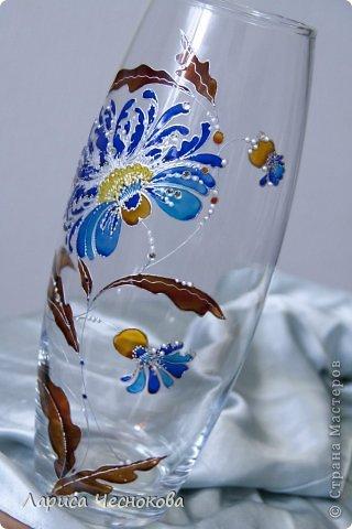 n7jr5fgmlbs Вазы из стеклянных бутылок: декор, роспись и обрезка