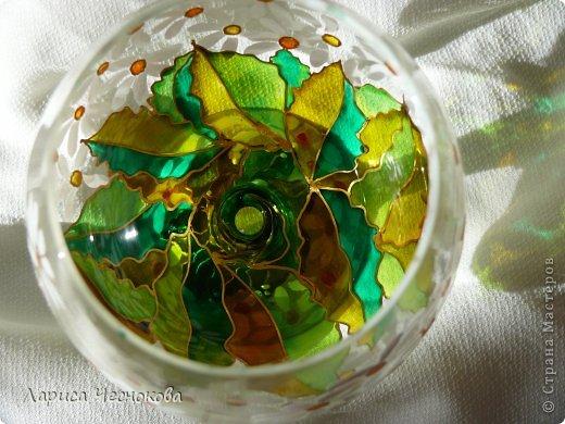 p1330053 Вазы из стеклянных бутылок: декор, роспись и обрезка