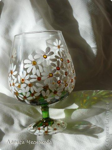 p1330058 Вазы из стеклянных бутылок: декор, роспись и обрезка