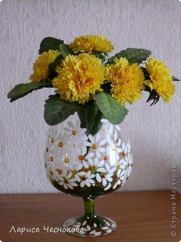 p1330074 Вазы из стеклянных бутылок: декор, роспись и обрезка