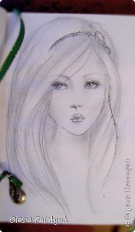Помимо того, что делать кукол я ещё иногда рисую. В основном девушек: портреты, наряды и фигуры в движении. Вот как получается. Училась сама.  фото 1