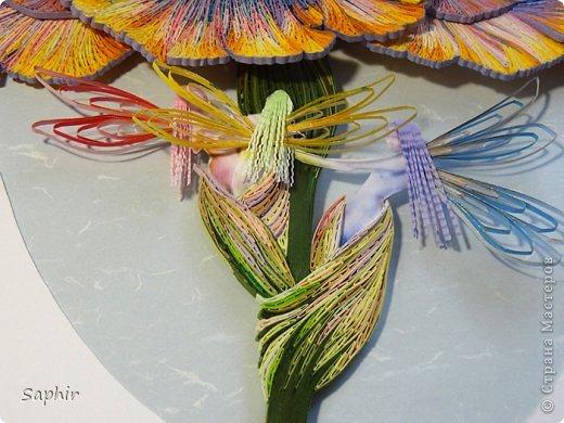 Конечно волшебный. Под его радужными лепестками рождаются весёлые радужные феечки :))) фото 7