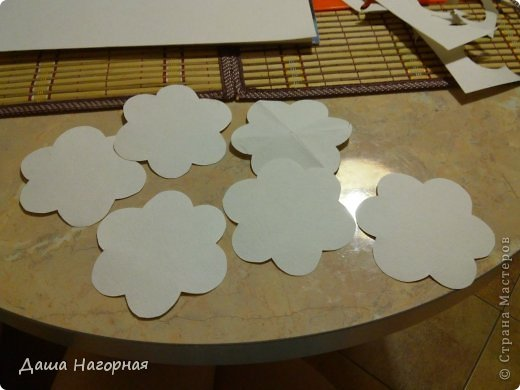 Мастер-класс Поделка изделие Бумагопластика Плетение мк по розам из акварельной бумаги Акварель Бумага газетная Клей фото 5